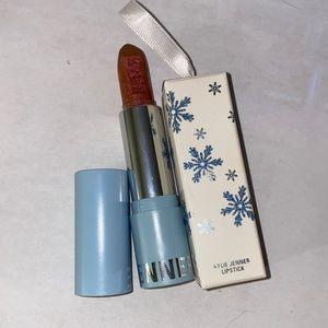 Stay Cozy Lip Stick Kylie Cosmetics.